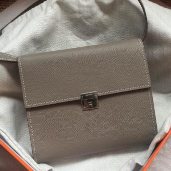 AAA Fake Hermes Grey Clic 16 Wallet With Strap