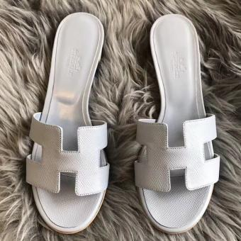 Cheap Imitation Hermes Oasis Sandals In Blue Pale Epsom Leather