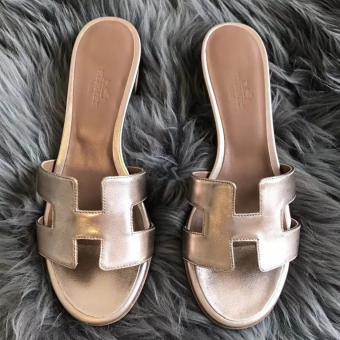 Hermes Oasis Sandals In Gold Swift Leather