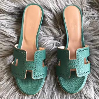 AAA Hermes Oran Perforated Sandals In Malachite Epsom Leather