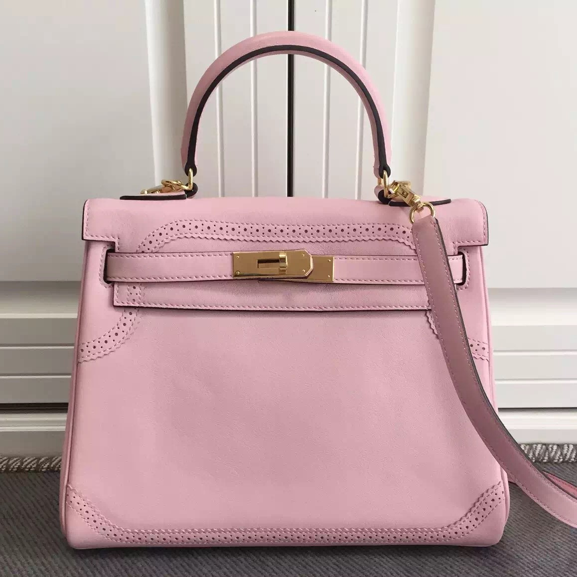 Faux Hermes Kelly Ghillies 28cm In Pink Swift Leather