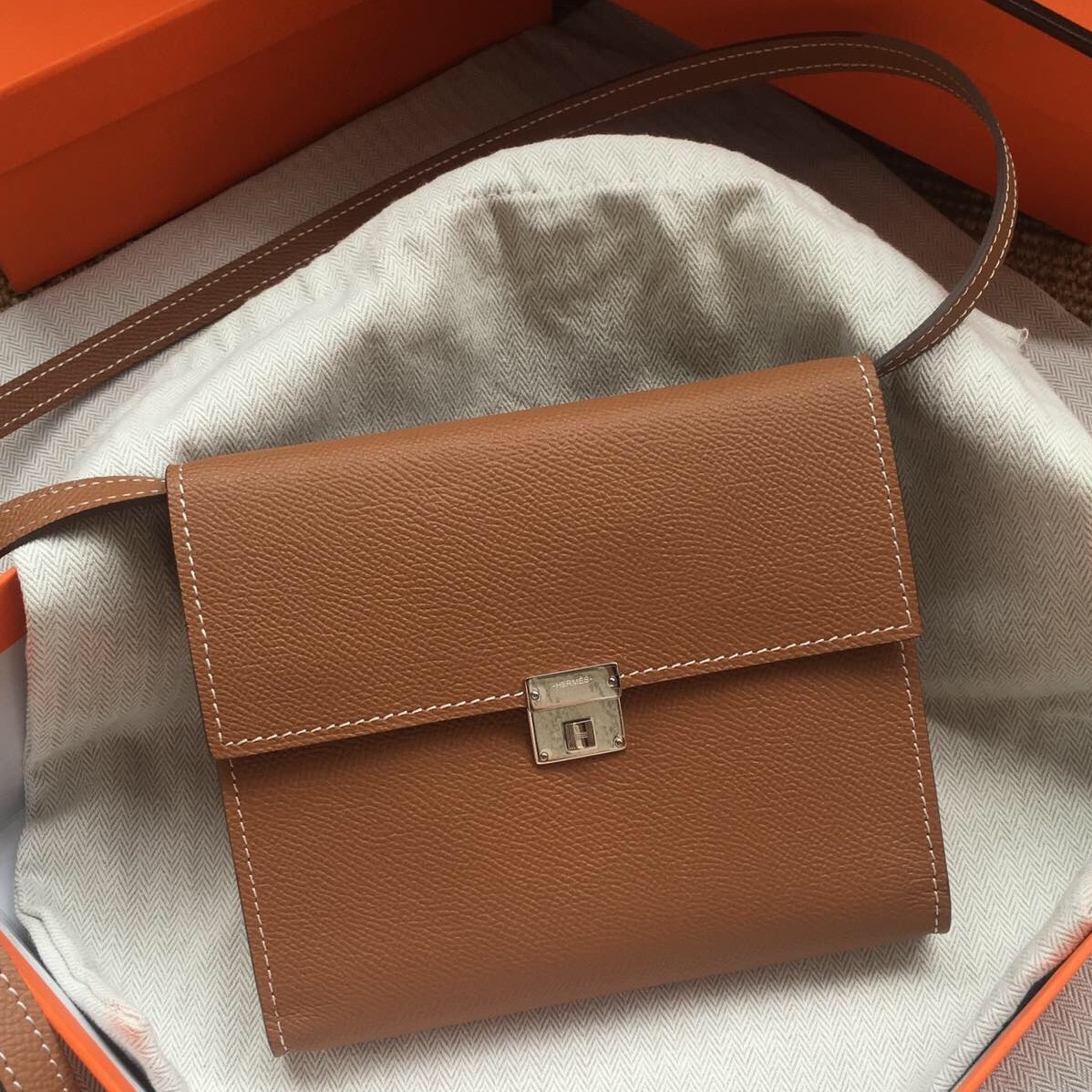 Replica Perfect Hermes Brown Clic 16 Wallet With Strap