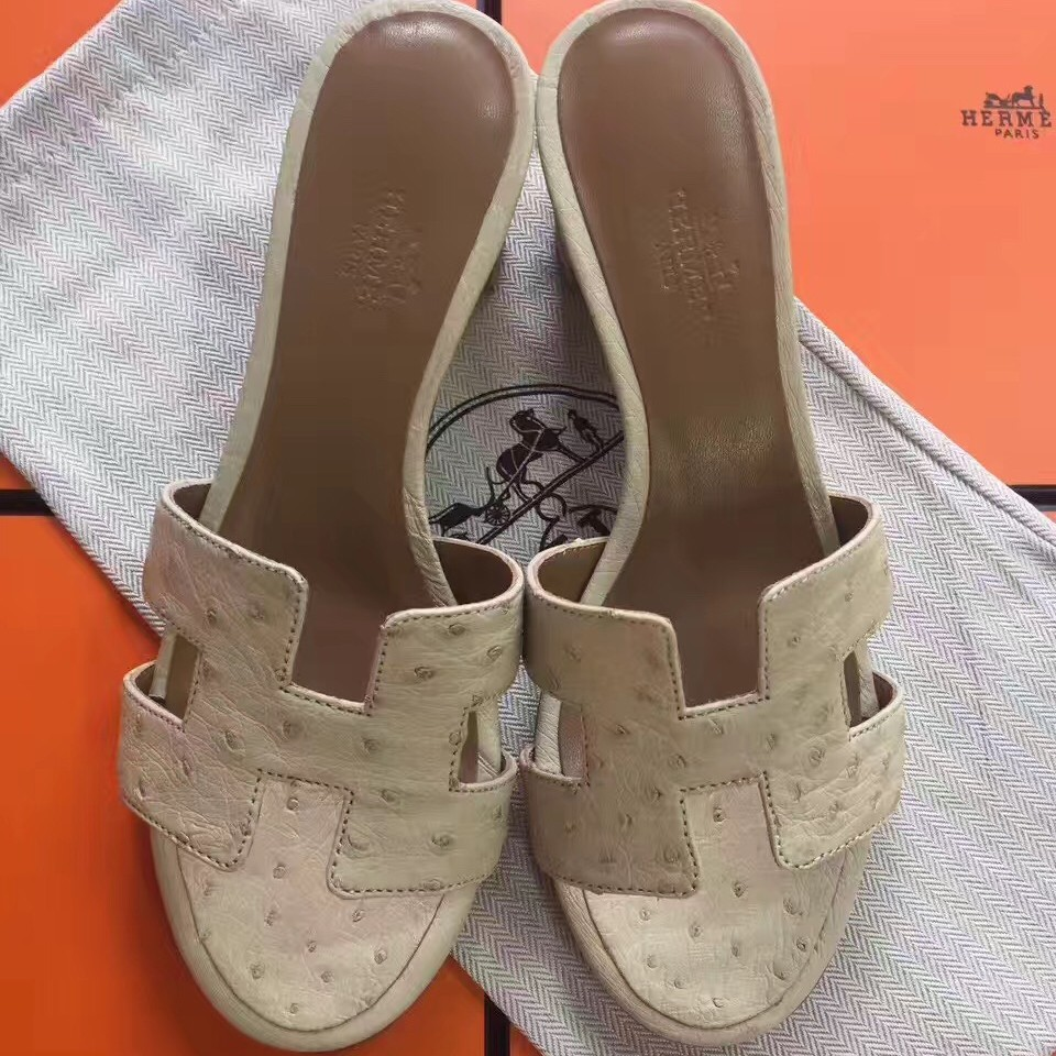 Top Quality Hermes White Ostrich Oasis Sandals